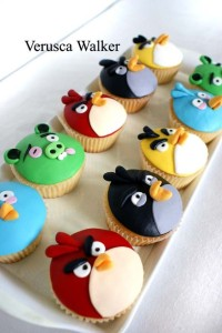 angry_birds_cupcakes_1