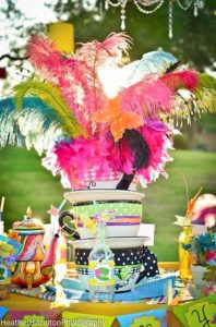alice_decoración_plumas