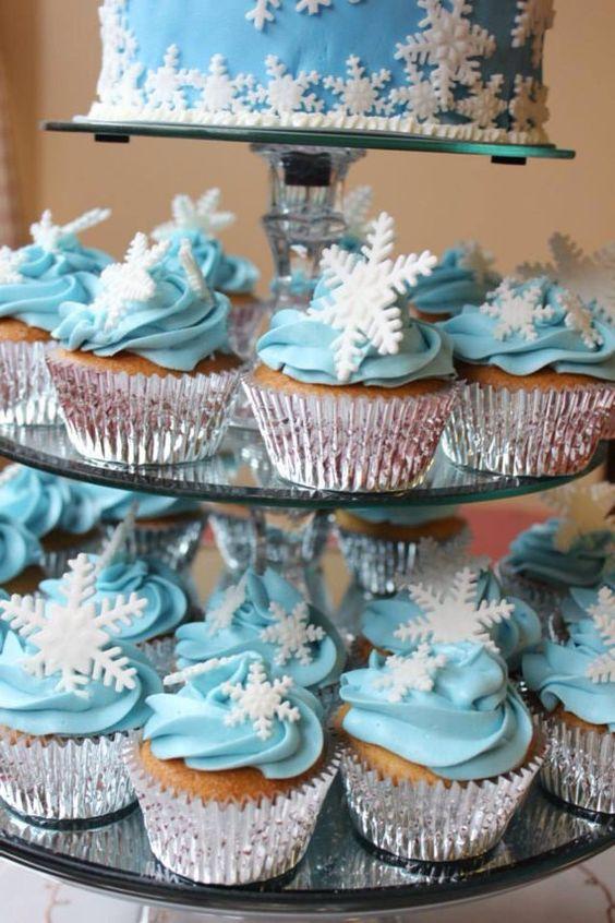 cupcakes_snow_pie_pequeno_smallfoot_celebrando_fiestas