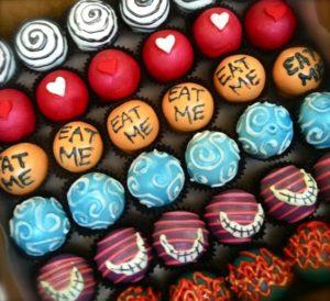 alice-cupcake