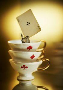 alice_table_cartas