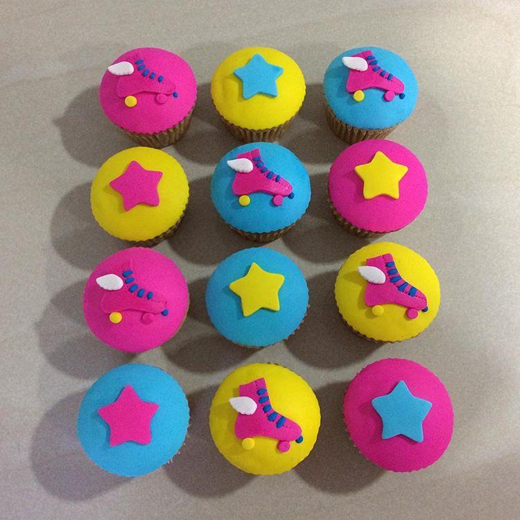 soy_luna_cupcakes_patines_decoracion